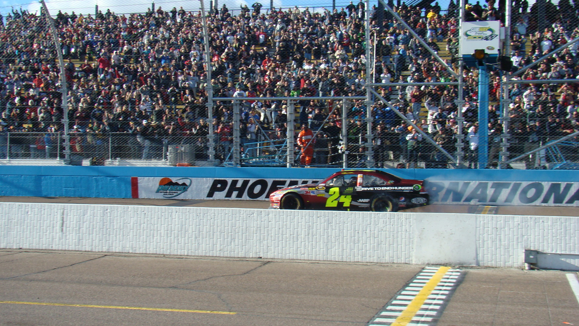 NSCS: Jeff Gordon Breaks