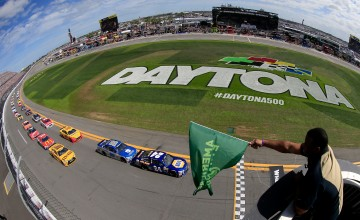 DAYTONA BEACH, FL - FEBRUARY 21: Ken Griffey Jr. waves the green flag as Chase Elliott, driver of the #24 NAPA Auto Parts Chevrolet, leads the field to the green flag to start the NASCAR Sprint Cup Series DAYTONA 500 at Daytona International Speedway on February 21, 2016 in Daytona Beach, Florida.  (Photo by Chris Trotman/NASCAR via Getty Images)
